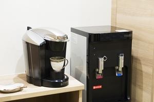 ニチイホーム 鷺ノ宮 リラクゼーションサロン コーヒーサーバー
