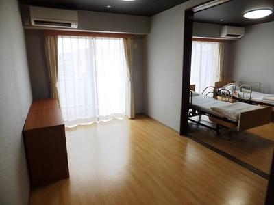 ニチイホーム登戸 夫婦室(2)