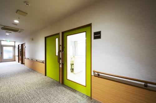 ニチイホーム石神井台 機能訓練室ドア